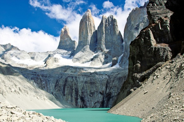 http://www.internationaltravellermag.com/2-hike-in-torres-del-paine-national-park-patagonia/